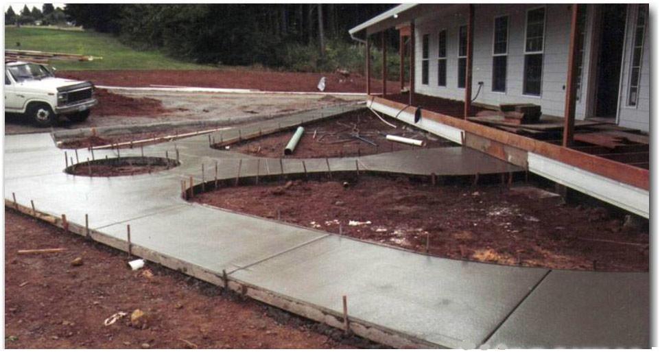 заливка двора бетоном